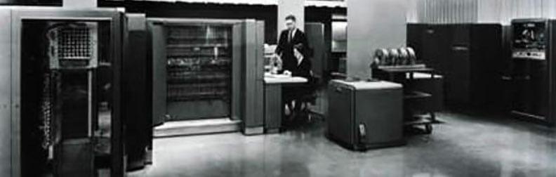 تصویری از کامپیوتر آی بی ام 704