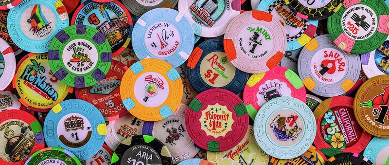 قماربازان در کازینو میبایست به جای پول از چیپ استفاده کنند
