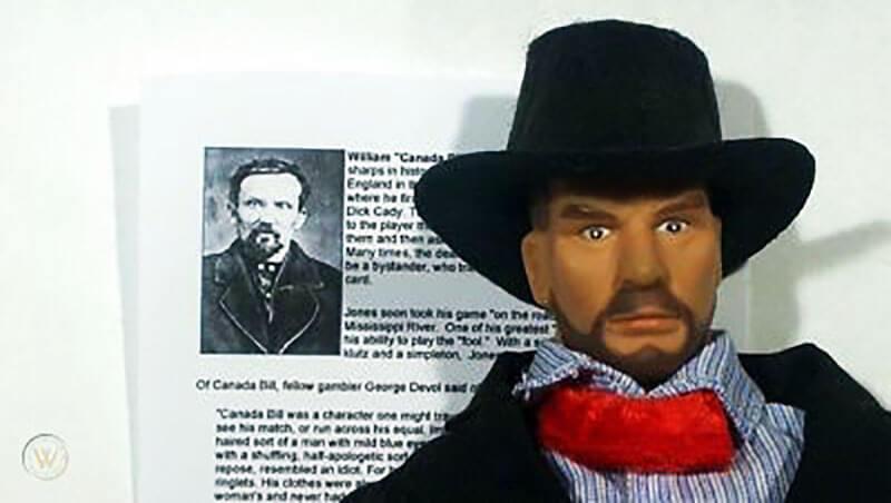 تصویری از یک مجسمه کوچک ساخته شده از روی شخصیت ویلیام کانادا بیل جونز