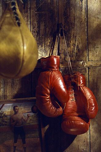 تصویری از دستکش های مخصوص ورزش بوکس