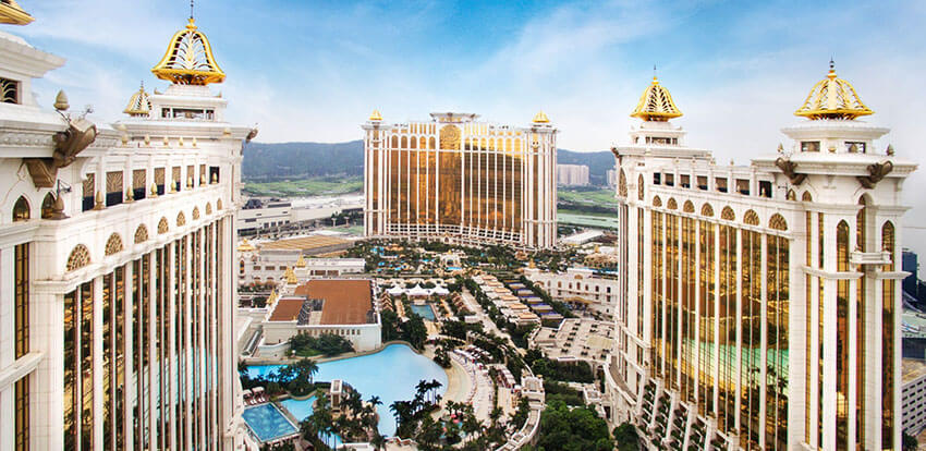 مجموعه هتل و کازینو گلکسی یکی از بزرگترین و لوکس ترین مراکز تفریحی در ماکائو میباشد
