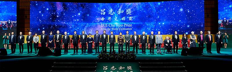لوی چی وو به نوعی نمونه ای قابل احترام از یک میلیاردر با مسئولیت پذیری اجتماعی می باشد