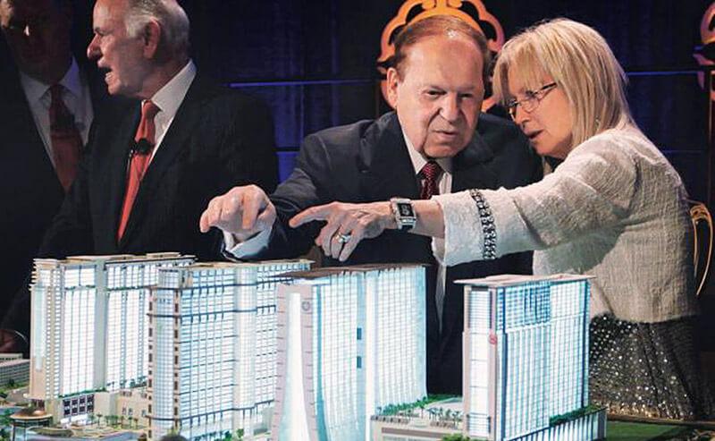 تصویری از خانم دکتر میریام اورچون در کنار همسرش شلدون ادلسون بنیان گذار کمپانی لاس وگاس سندز